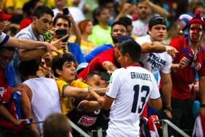 bemoeien_Uruguay_-_Costa_Rica_FIFA_World_Cup_2013_(31)