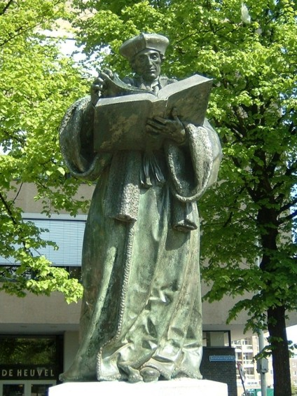 GRAPH-Erasmus-beeld-Rotterdam-768x1024